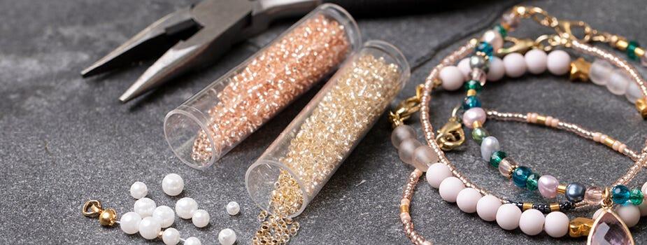 Perles et éléments pour création de bijoux