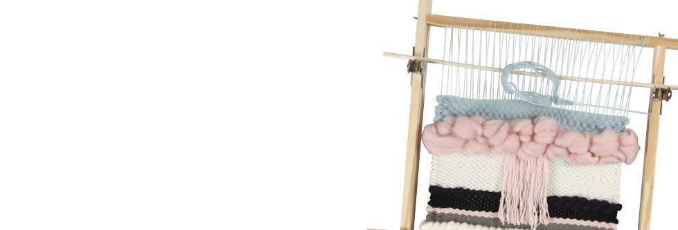 Tissage, confection de tapis et pompons