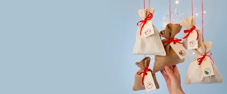 Emballage des cadeaux du calendrier de l'avent