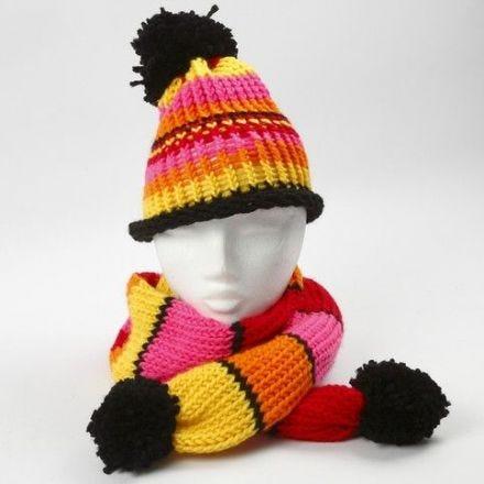 Un métier à tricoter pour un bonnet ou une écharpe