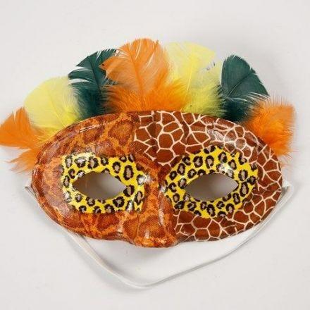 Découpage et Duvets colorés sur un Masque Demi-Visage