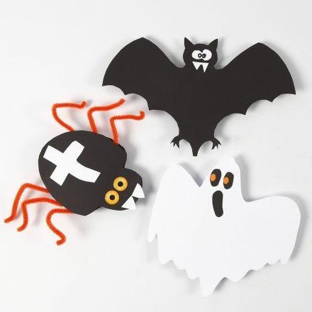 Des décorations en papier cartonné pour Halloween