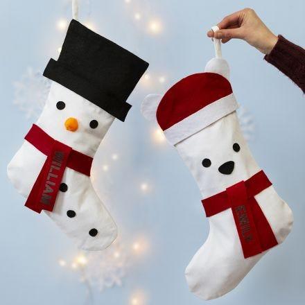 Un bas de Noël décoré en bonhomme de neige ou en ours polaire