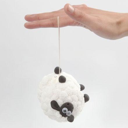 Un yoyo Shaun le Mouton avec de la pâte Foam Clay