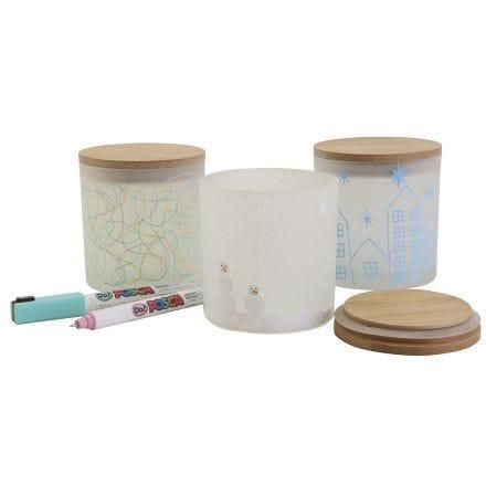 des pots de rangement décoratifs avec de beaux dessins