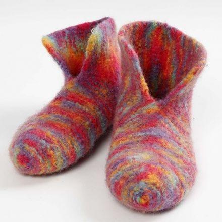 Des chaussons tricotés et feutrés