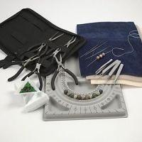 École de bijouterie. Des outils pour la fabrication de bijoux