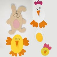Décorations de Pâques sur du papier cartonné faites avec des modèles flexibles