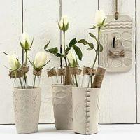 Vases d'argile auto-durcissante