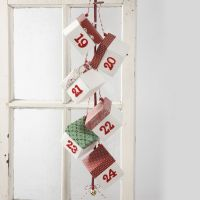 A Christmas Calendar with Fold-Yourself Boxes