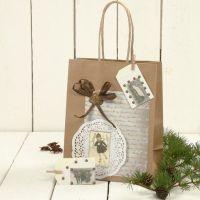 Un sac cadeau avec décorations