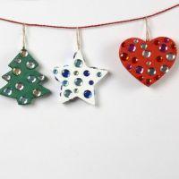 Décorations de Noël en papier mâché décorées de strass