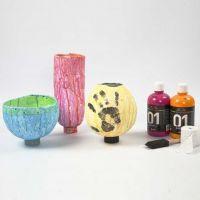 Vases fabriqués avec des bandes de gaze sur des ballons