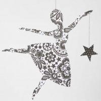 Une ballerine en papier design avec étoile