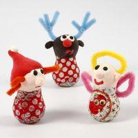 Figurines de Noël faites à partir d'ampoules en verre, de Silk Clay et de fils de chenille