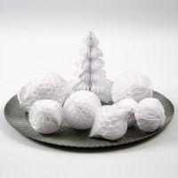 Décorations et boules-de-neige faites en papier nid d'abeille