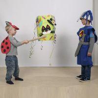 Masque en caoutchouc décoré pour le carnaval