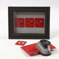 Coeur en papier cartonné dans un cadre 3D avec vitre