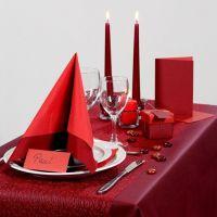 Inspiration pour fêtes avec décoration de table rouge