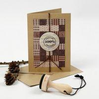 Une carte de Noël avec Patchwork fait avec des bandes de papier tissées