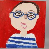 Un autoportrait à la peinture sur une toile