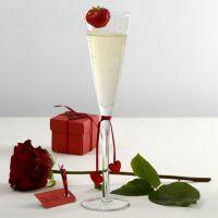 Une décoration de table rouge et blanche