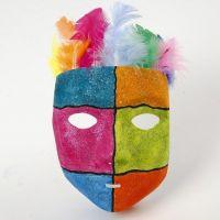 Graphiques et Peinture scintillante sur un Masque en plastique