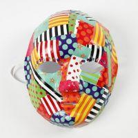 Découpage avec Papier Glacé à motif sur un Masque