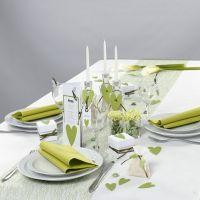 Des décorations de table blanches et vertes de la collection Happy Moments