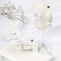 Des décorations de mariage romantiques blanches