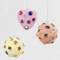 Décoration à suspendre avec Foam Clay & Pierres de Strass couleurs pastel