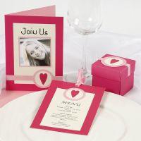 Invitations et décorations de table en rose