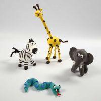 Animaux sauvages sur squelettes avec Silk Clay