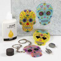 Porte-clés, Aimants et Broches faits avec du plastique thermo-rétractable décoré et pré-imprimé