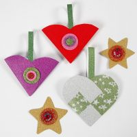 Glittery Christmas Paper Decorations with Materials from the Christmas Decoration Kit