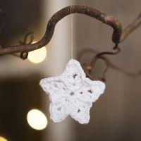 Une petite étoile crochetée avec du fil de coton