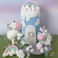 Une licorne et un château en pâte Silk Clay