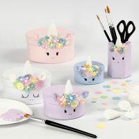 Des boîtes licorne en papier mâché avec des décorations en pâte Foam Clay