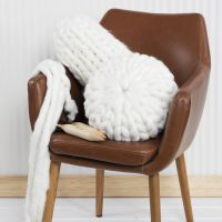 Des coussins tricotés avec de la laine chunky XL