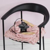 Un coussin de chaise  avec la XL Chunky Knit