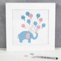 Un tableau avec un éléphant de la part des invités