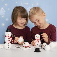 Faites un bonhomme de neige en utilisant du polystyrène et de la pâte Foam Clay
