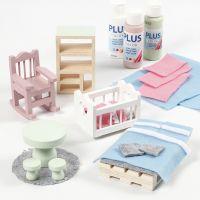 Mobilier de maison de poupée décoré de feutre et de peinture acrylique