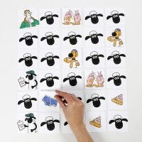 Un jeu de mémoire Shawn le Mouton décoré aux feutres