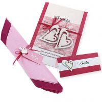 Une invitation, un marque-place et des serviettes décorées blanches et roses